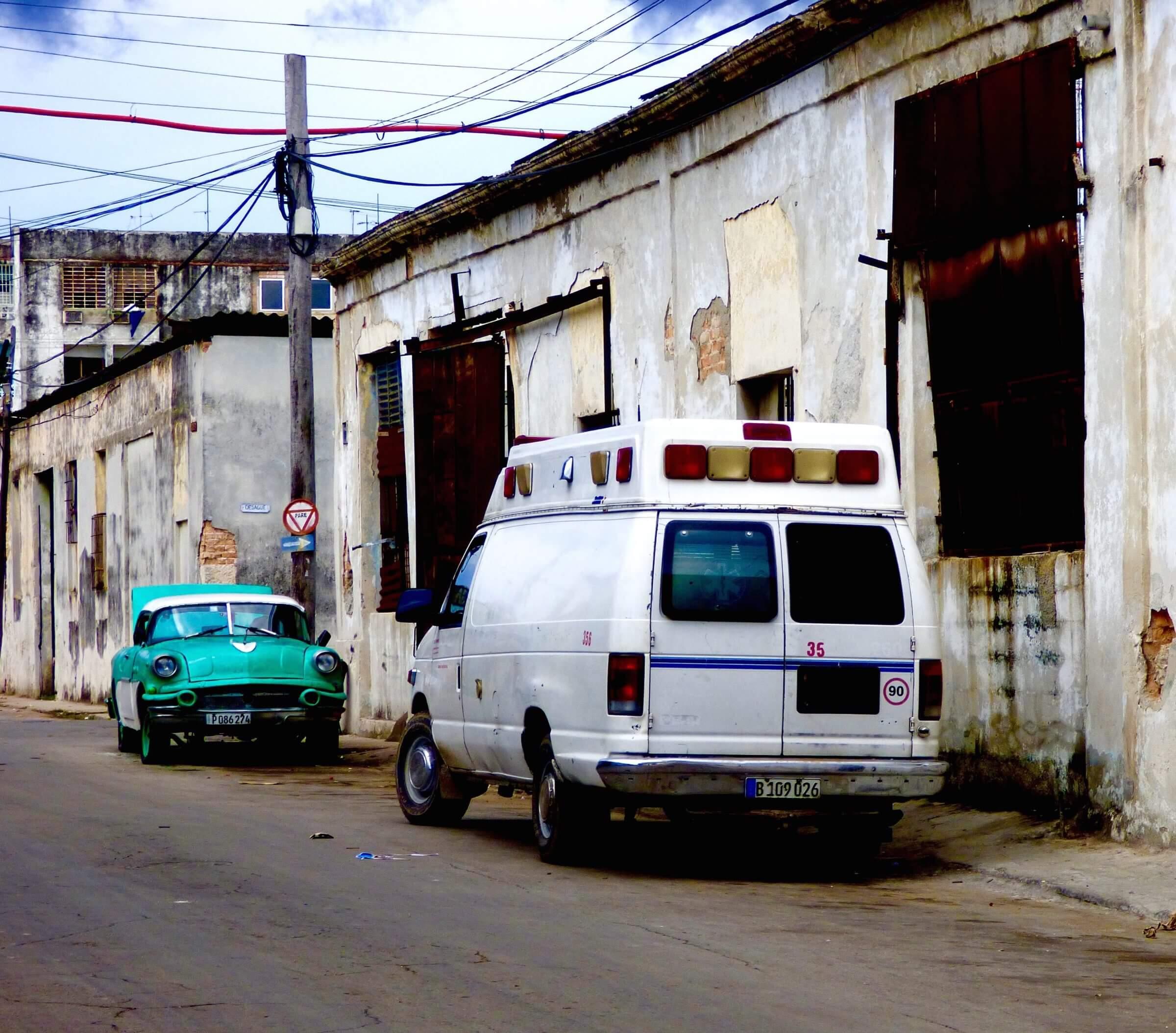 Ambulancia Cubana - La Havana