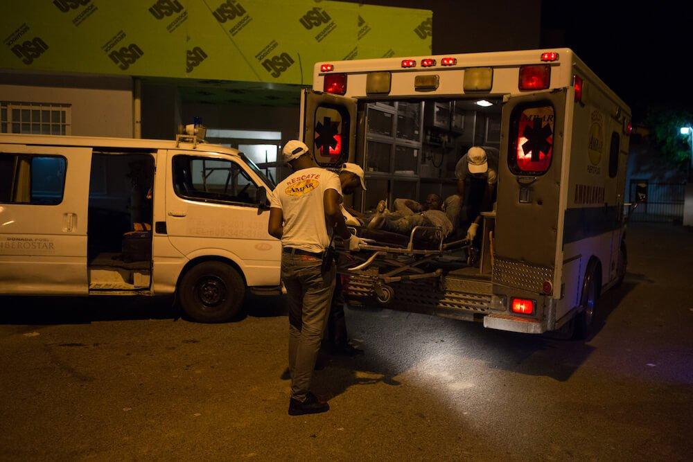 Patient Loading - Rescate Ambar - Puerto Plata, Dominican Republic - Trek Medics
