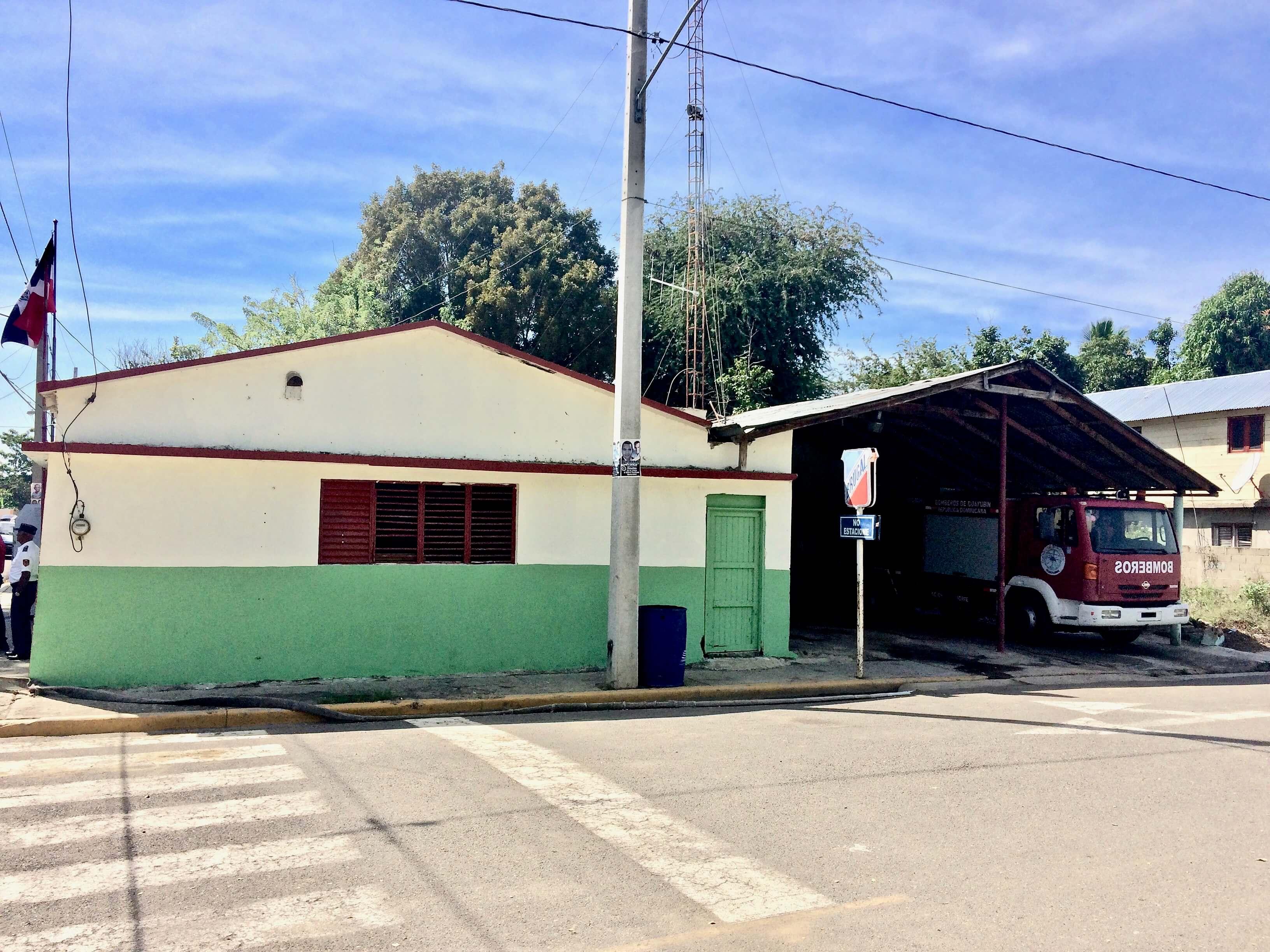 Estacion del Cuerpo de Bomberos de Guayubín